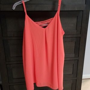 NWT L Coral colored flowy tank